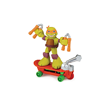 Figurine 6 cm Tortues Ninja - Michelangelo et son véhicule Blister d'une figurine de 6 cm et son accessoires ou de deux figurines.Ces petits personnages adaptés pour les jeunes enfants qui veulent revivre les aventures de leurs amis.Plusieurs assortiments disponibles.
