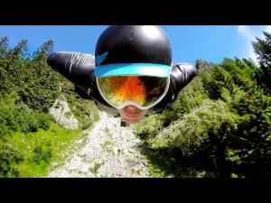 Vol en Wingsuit à Chamonix filmé par une GoPro- YouTube