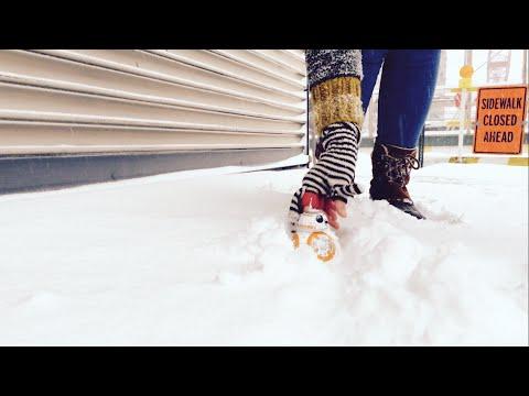 BB-8 dans la neige pendant Snowzilla – YouTube