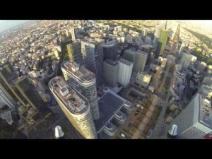 Drone Survol Paris La Défense. FPV drone civil multi-rotors. YouTube