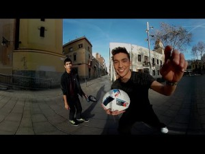Samsung Gear 360° caméra : partie de foot 360º à barcelone – YouTube