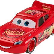 Mattel--Disney-Pixar-Cars-3--Flash-McQueen--Vhicule-Miniature-Die-Cast-0
