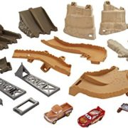 Mattel-Disney-Cars-fcv94--Cars-3-minuit-Saut-Track-Set-0-0