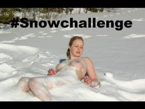 Challenges dans la neige, des femmes nues plongent dans la neige, Storm Jonas Snowzilla vidéo – YouTube